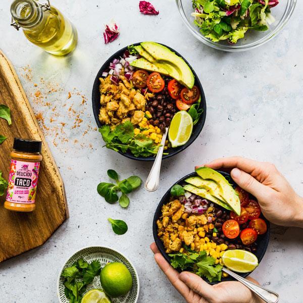 Tacokrydder fra Deliciou servert i en tacobolle