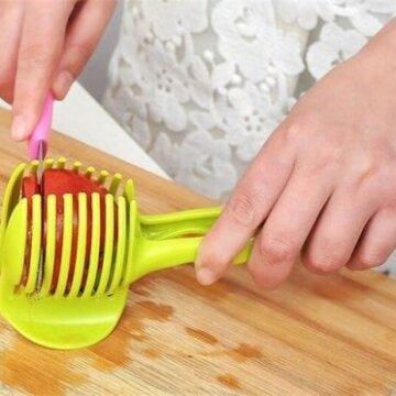 Kutter opp tomater