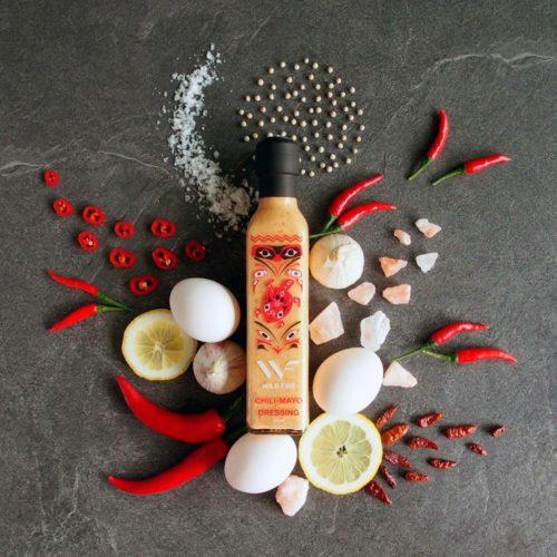 Chilimajones med bilde av ingredienser