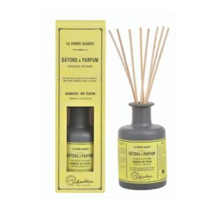 Deilig duftolje med lukt av mimosa