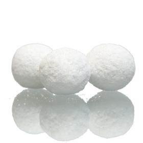 Hvite snøballer av sjokolade og marsipan fra crema