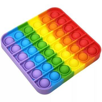 Kvadratisk Pop-It Fidget leke i regnbuens farger som kjent fra TikTok